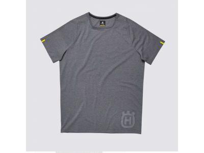 Сива тениска с лого.
