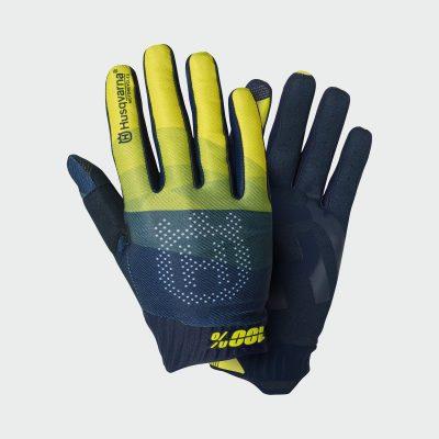 Синьо-жълти ръкавици с надпис.