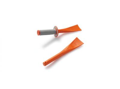 Оранжеви инструменти за почистване.