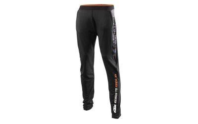 Черен спортен панталон с надпис.