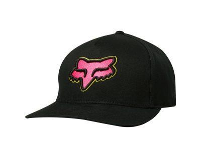 Черна шапка с лого.